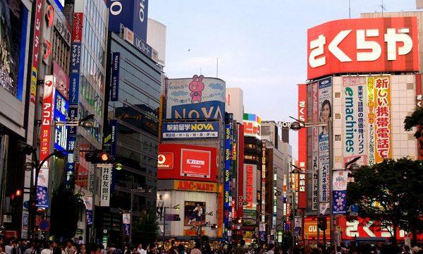 東京新宿で人妻熟女と待ち合わせデリヘル