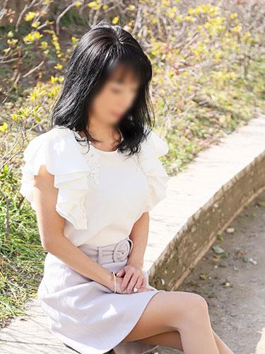 スレンダーな綺麗な人妻熟女 佳織 体験入店